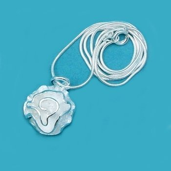 Sterling Silver 925 Dimensional Rose Pendant Necklace - 17""